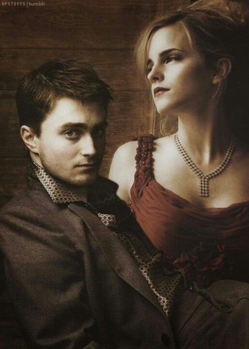 Daniel Radcliffe And Emma Watson Harry Potter Actors Harry Potter Wizard Harry And Hermione