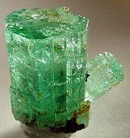 el beriliobe es un metal ligero indudablemente hermoso no les recuerda a - Tabla Periodica Metales Ligeros