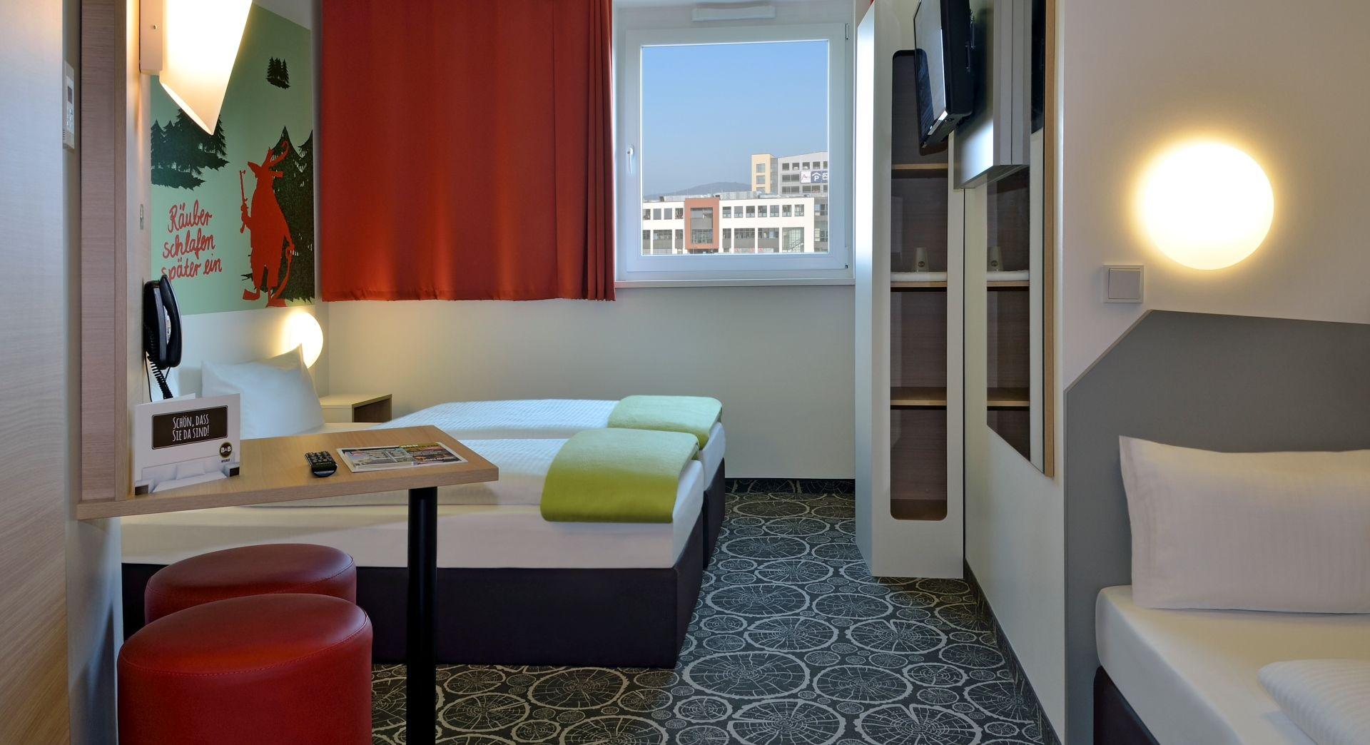 Dreibettzimmer im B&B Hotel Aschaffenburg