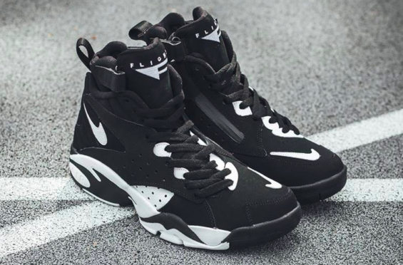 size 40 12520 e2cac Get The Nike Air Maestro II LTD Black White Now The Nike Air Maestro II LTD