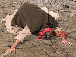 Elijah prays seven times for God to send rain. (I Kings 18:41-46): Slide 6