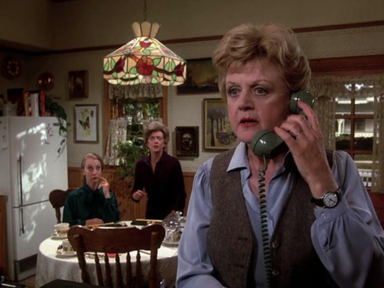 jessica fletcher on telephone w/ kitchen table,tiffany light