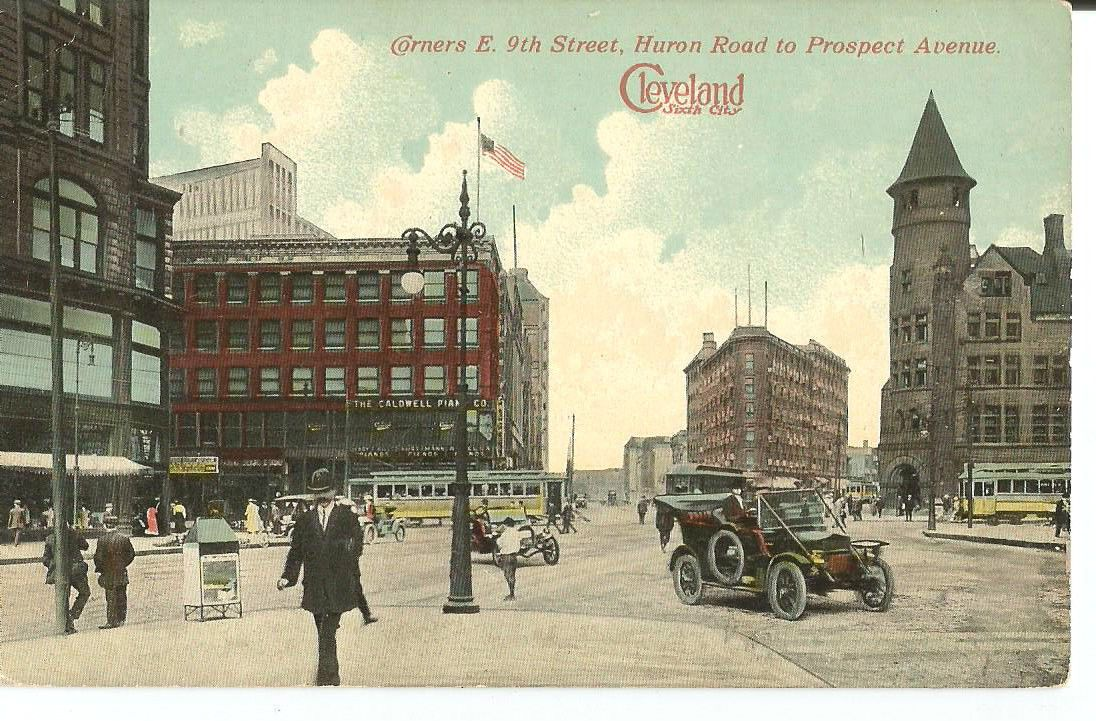 Postcard Cleveland OH Corner E 9th Street Huron Road to