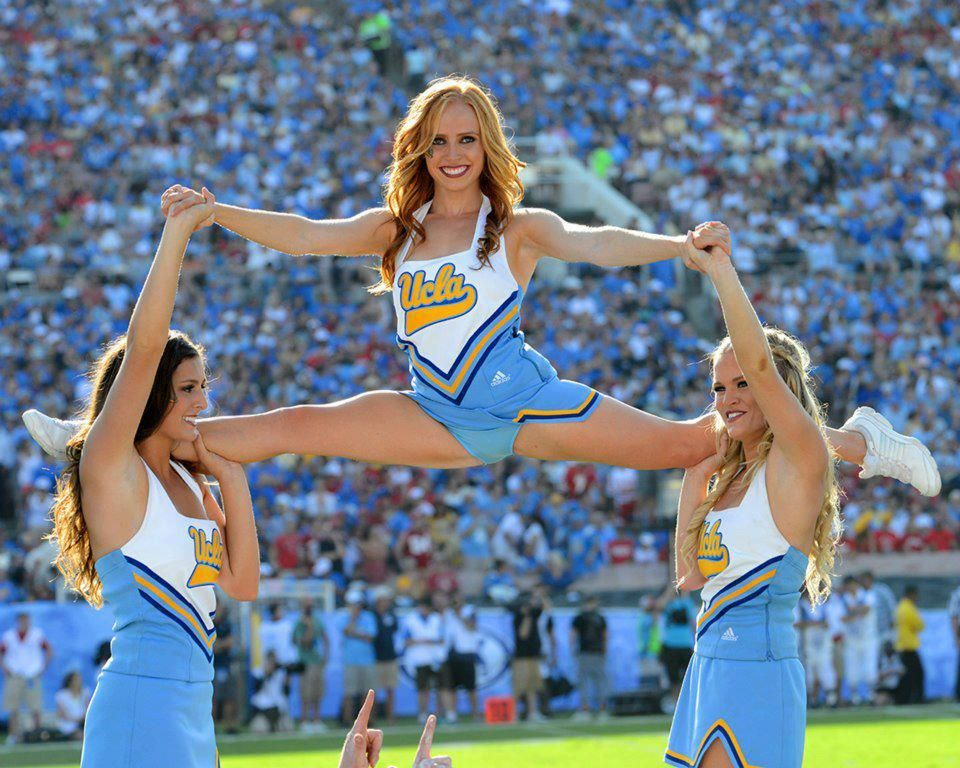 university football cheerleaders nude