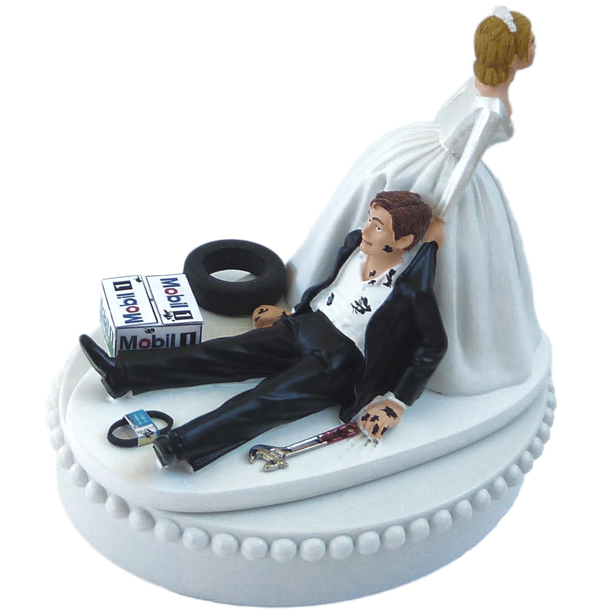 Funny Wedding Garters: FunWeddingThings.com Offers Funny And Frilly Wedding Cake