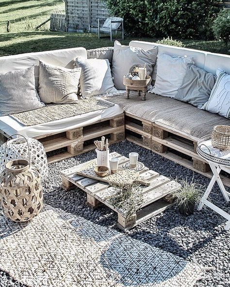 Pallet Balcony Furniture DIY recycled wood pallet balcony ...