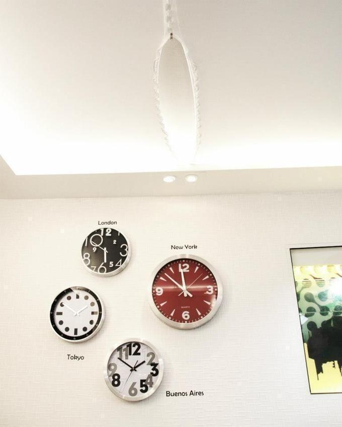 b33a651500f Resultado de imagem para decoração relogio de parede horario mundial ...
