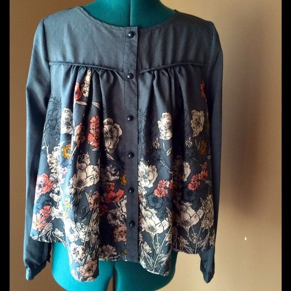 Darling UK Floral Blouse GORGEOUS Blouse from the Boutique Darling London  known for their classy but 5fcace5bbda