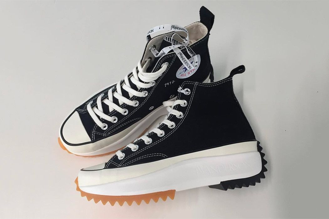 Falange Verter Humilde  New J.W. Anderson x Converse Collection Sees Statement Soles and More  Glitter | Sneakers men fashion, Sneakers, Converse