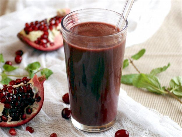 Cranberry Pomegranate Kale Juice from Healthy Blender Recipes