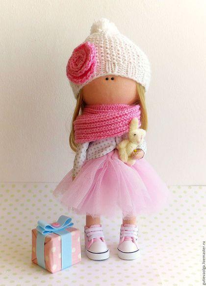 Купить или заказать Девочка в кедах в интернет-магазине на Ярмарке Мастеров. Девочка в кедах.Текстильная интерьерная кукла (не игровая).
