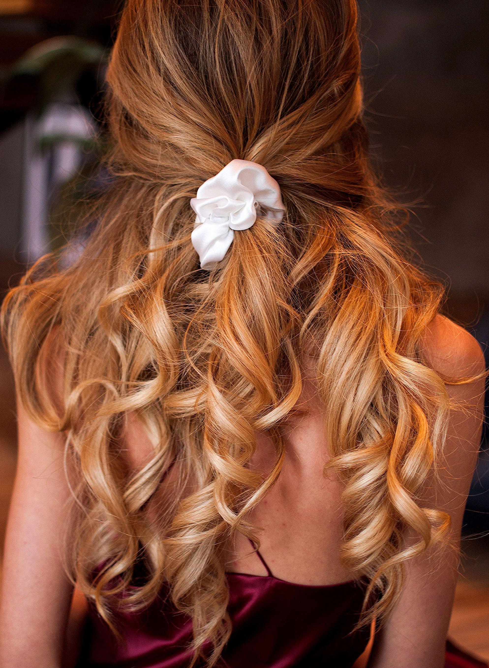 White Silk Scrunchie Silk Hair Scrunchies Hair Accessory Handmade Hair Scrunchies Silk Satin Scrunchy Scrunchy White Elasti In 2020 Scrunchie Hairstyles Silk Hair Hair