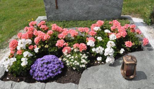 12 Grabbepflanzung Sommer Ideen Grabbepflanzung 13