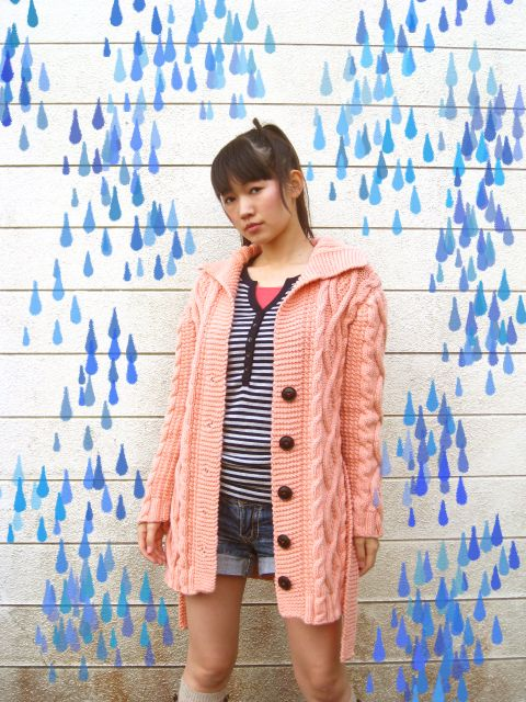 very cute Japanese knit blogger - love her photos