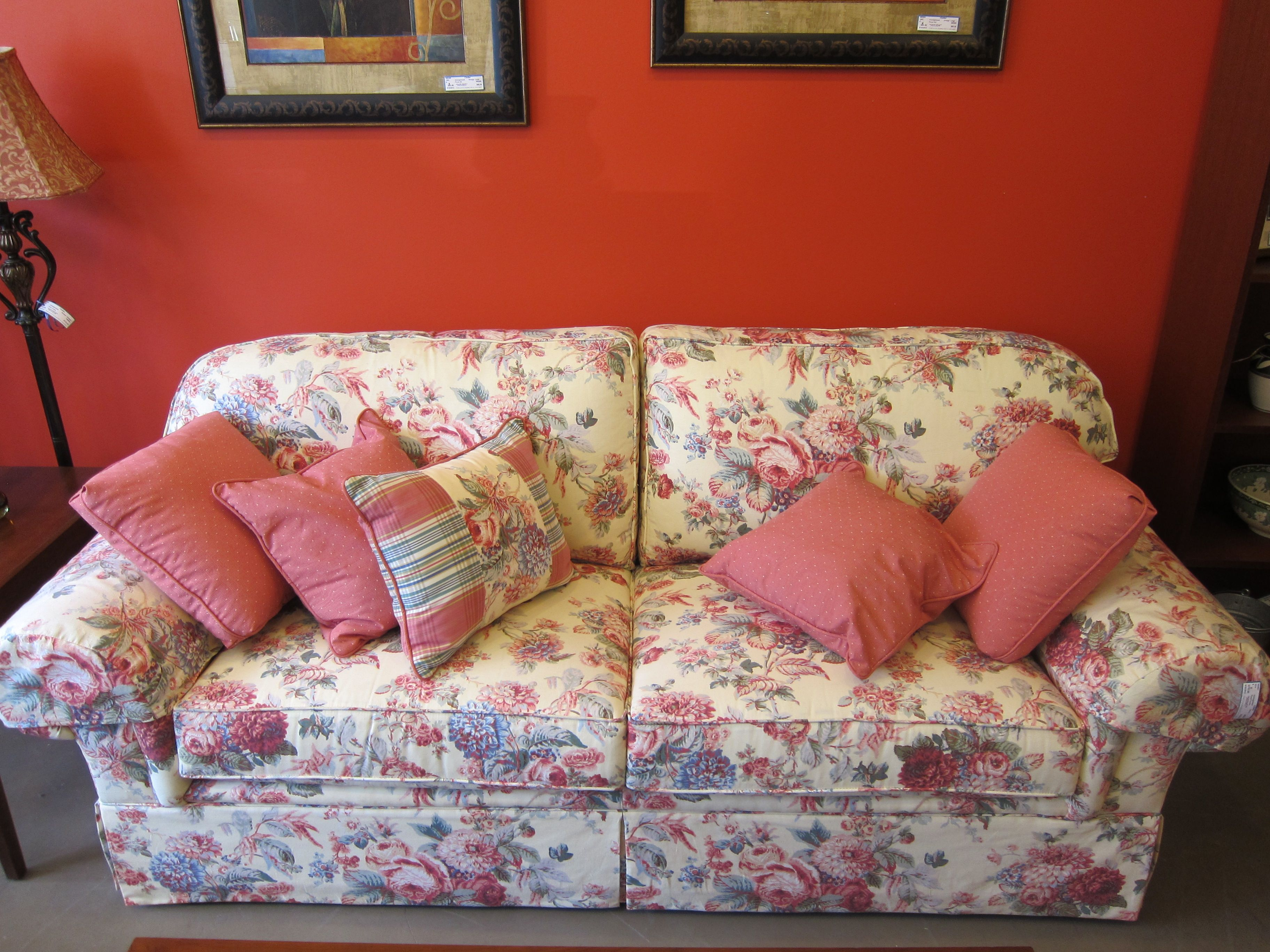 Floral print couch | Furniture | Pinterest | Living room ...