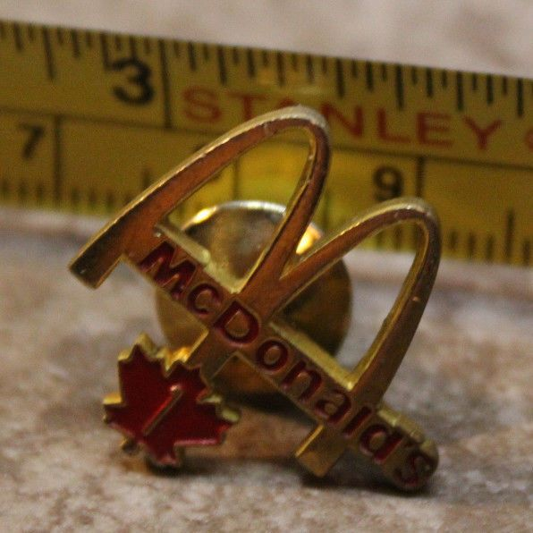 McDonalds Six Months Canada Service Award Collectible Pinback Pin Button