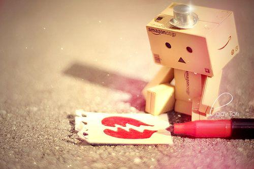 Amazon Box Robot: broken heart =(