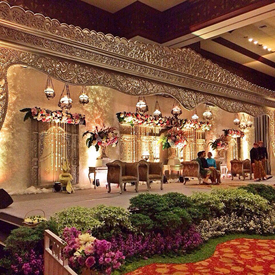 Modern Wedding Decoration Ideas: Pelaminan Jawa Modern