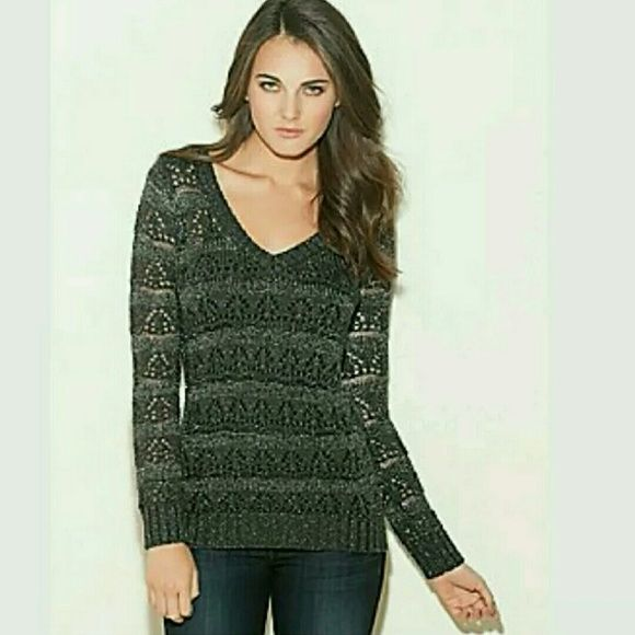 GUESS - WOMEN'S - SWEATER  - SIZE-SMALL EXCELLENT CONDITION LIKE NEW! NO TRADE...!!!! Guess   Sweaters V-Necks
