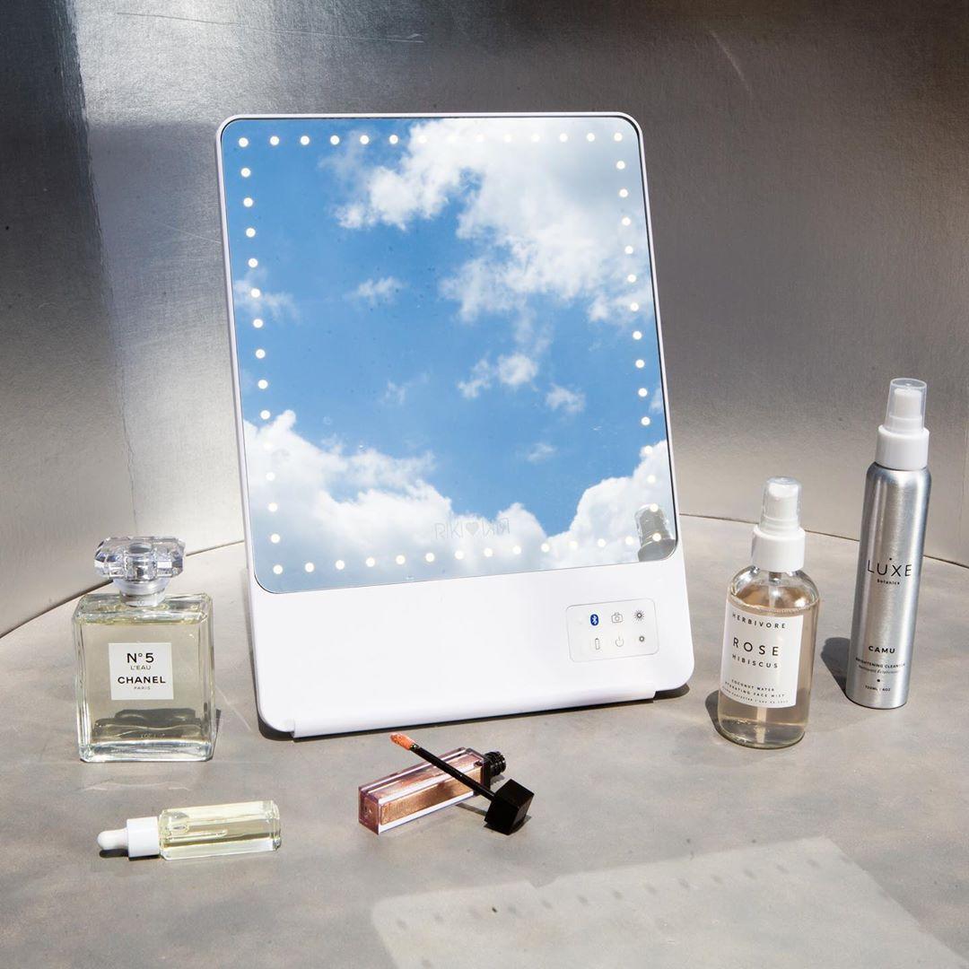 RIKI SKINNY in 2020 Travel makeup mirror, Makeup mirror