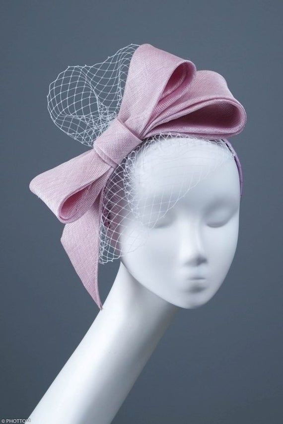 Cindy, Pale lilac cocktail occasion fascinator with a large bow and a veil, Formal fascinator for wedding, Cocktail headpiece