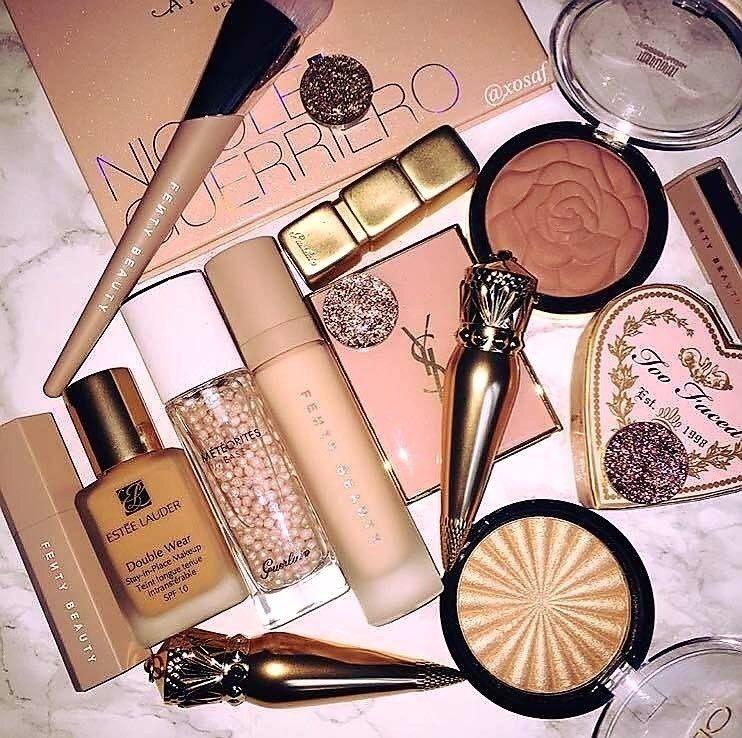 Pinterest vickiibaka ☼ Aesthetic makeup, Makeup kit