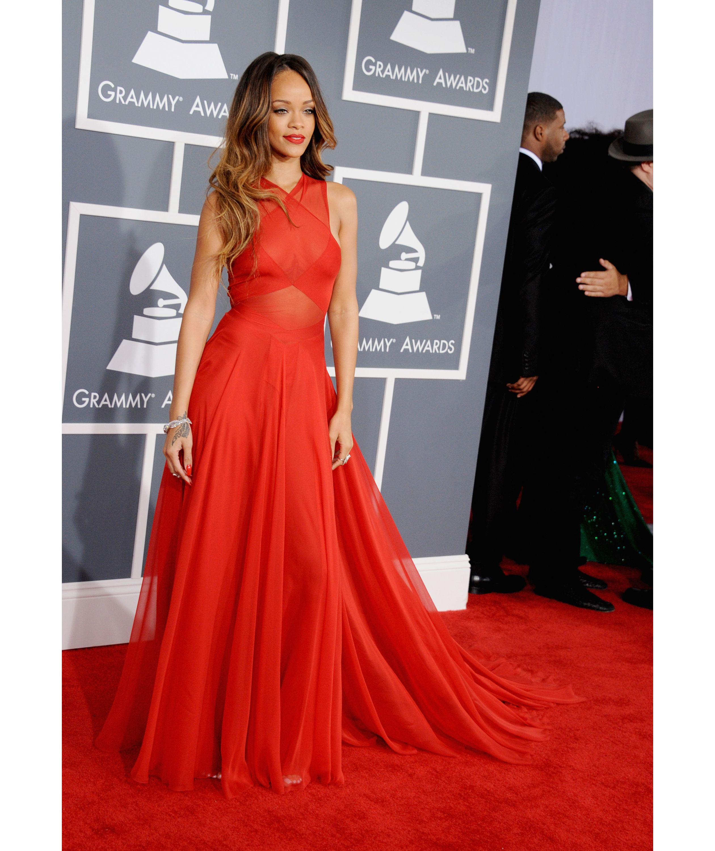 Rihanna | Grammy awards dresses, Red dress, Elegant dresses