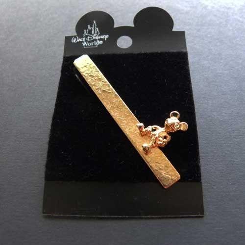 3401a087fdc3 All gold tone Mickey Mouse tie clip on its original card Disney produced  with a golden Mickey Mouse sat on the top of a textured gold tone tie bar