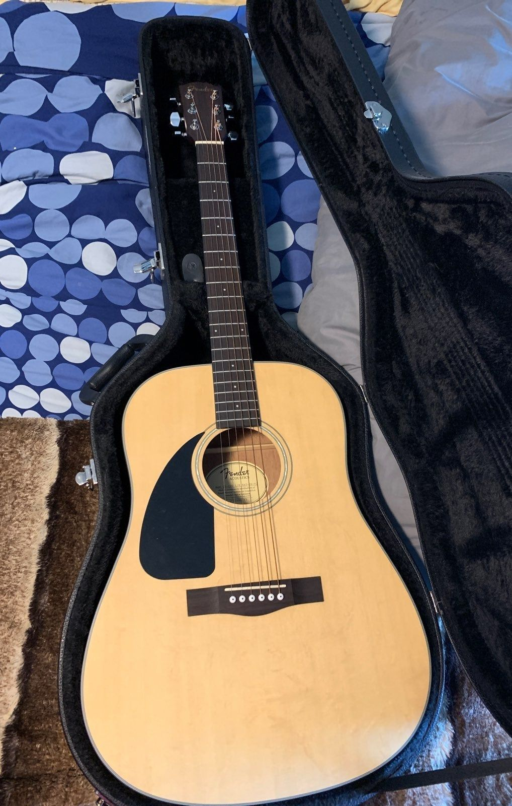 Fender Left Handed Acoustic Guitar Rarely Used With Hard Case Comes With Unused Clip On Tuner Guitar Acoustic Guitar Left Handed Acoustic Guitar