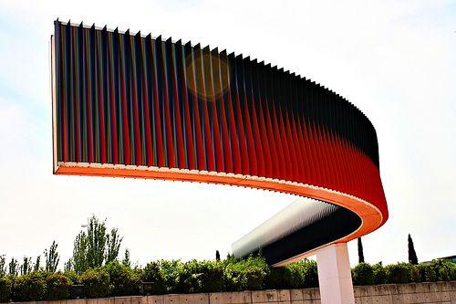 Parque Juan Carlos I Fisiocromía Para Madrid De Carlos Cruz Díez Madrid Famous Art Spirited Art Modern Sculpture