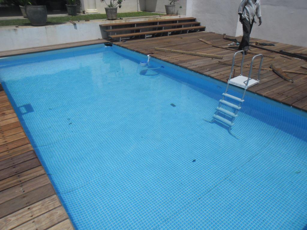 Pooldeck on intex ultraframe swimming pool 24 39 x12 39 x52 - Rechteckiger pool ...