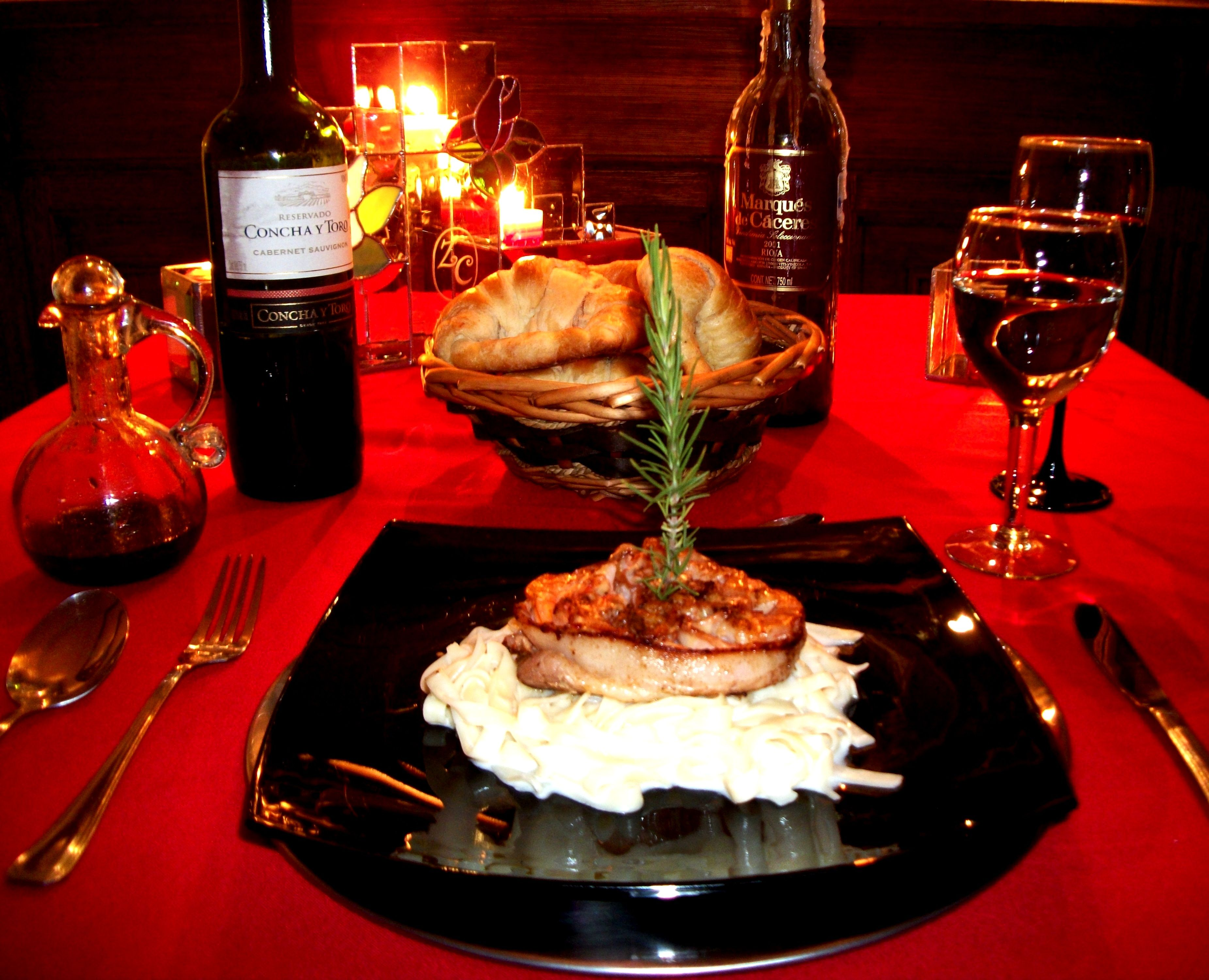 Cenas romanticas medall n de camar n con fetuchini - Detalles para cena romantica ...