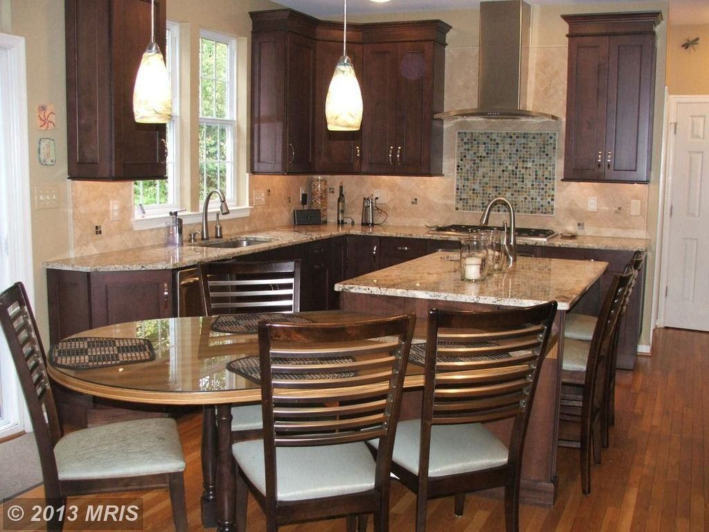Lovely Traditional Kitchen Design Ideas and Photos - Zillow Digs