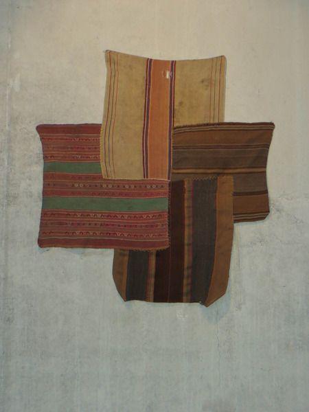 Adriano Costa 1, 2, 3, 4 Little Indians         2013    tapetes artesanais bolivianos costurados    125 x 110 cm