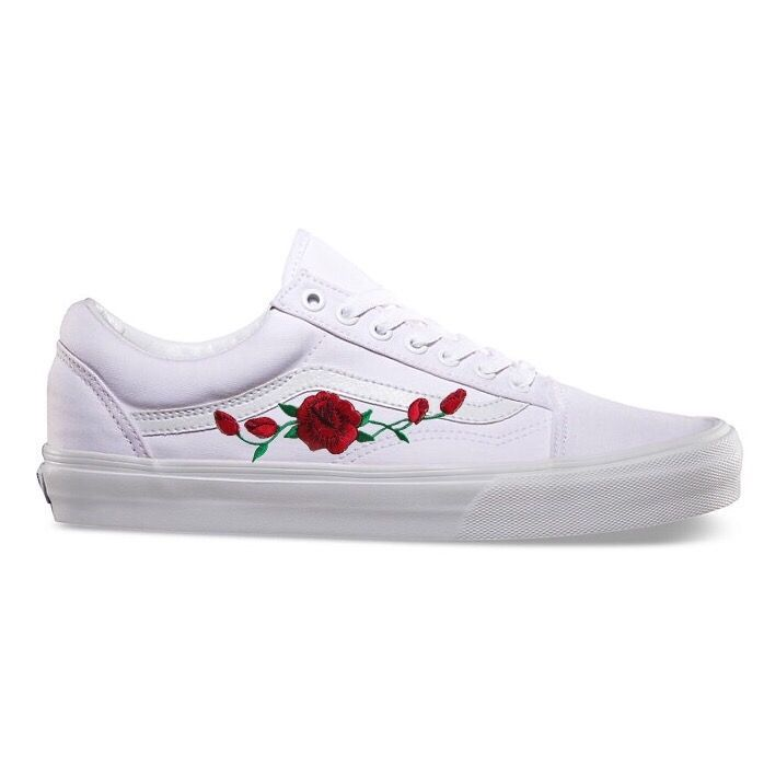 978e6fdb06a White old skool vans with rose patch