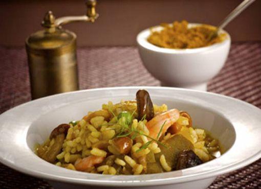 receta de risotto-al-curry-con-setas-y-gambas
