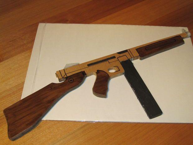 Picture of Thompson Sub-machine Gun (Wooden Toy)
