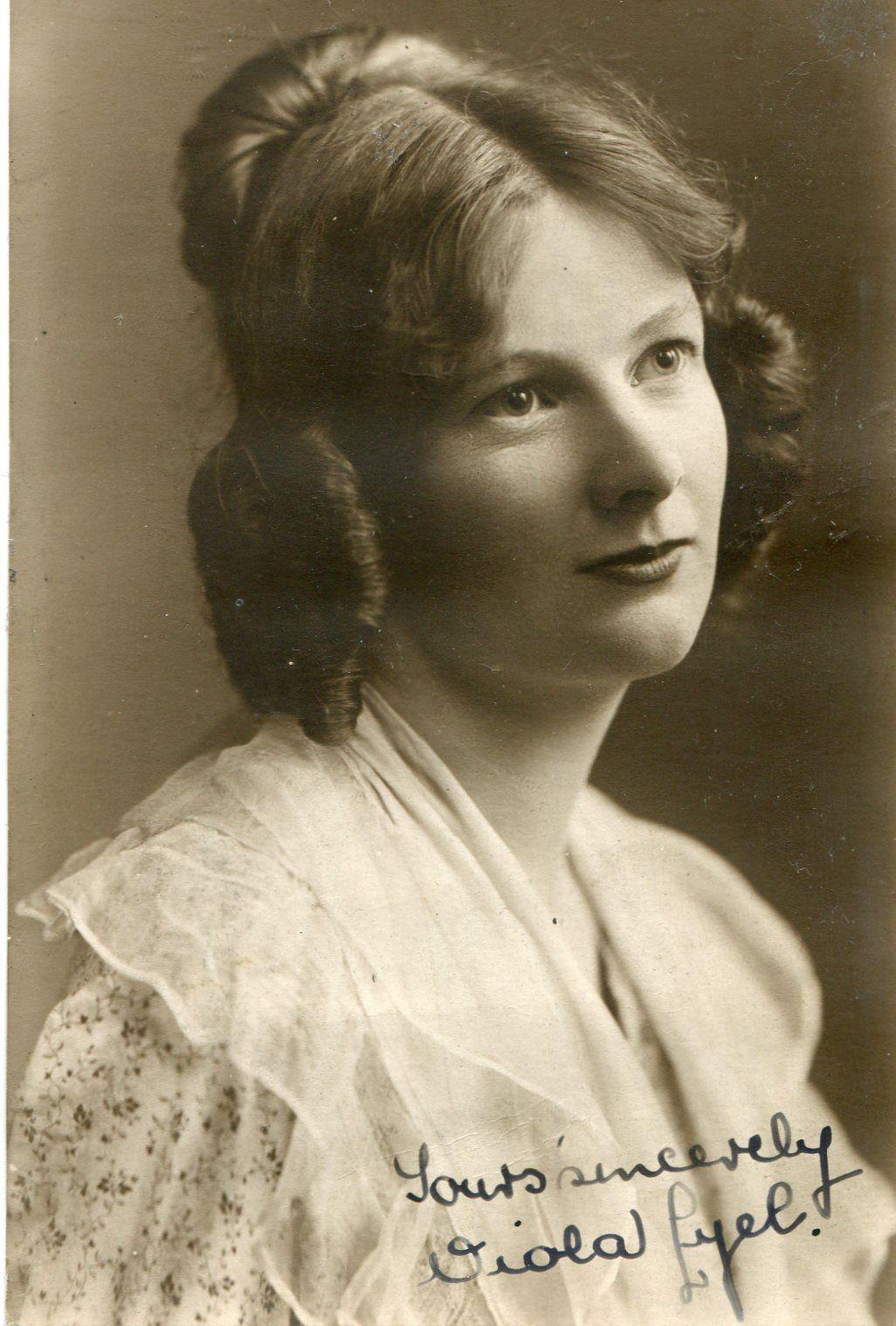 Viola Lyel