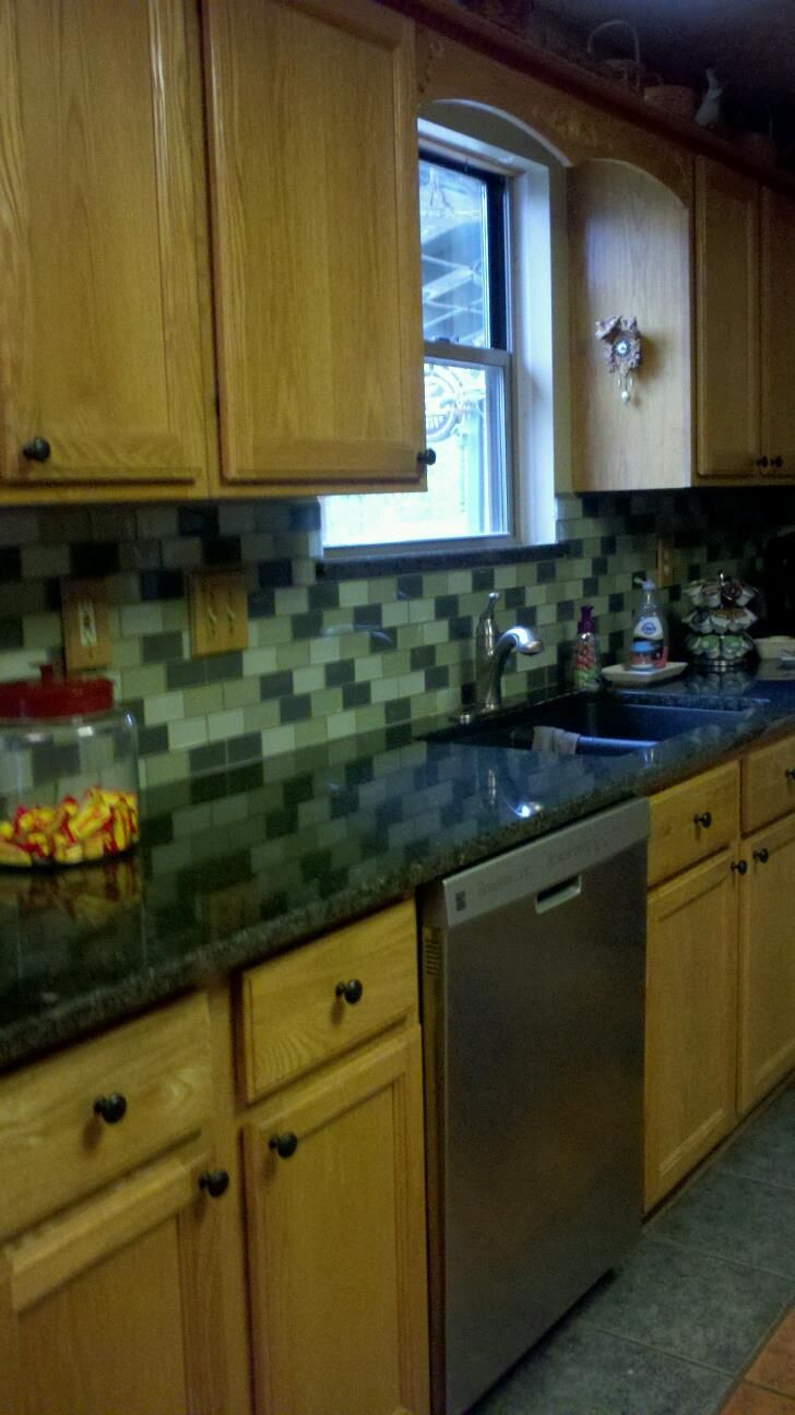 I will post more final pictures after we finish all the trim!