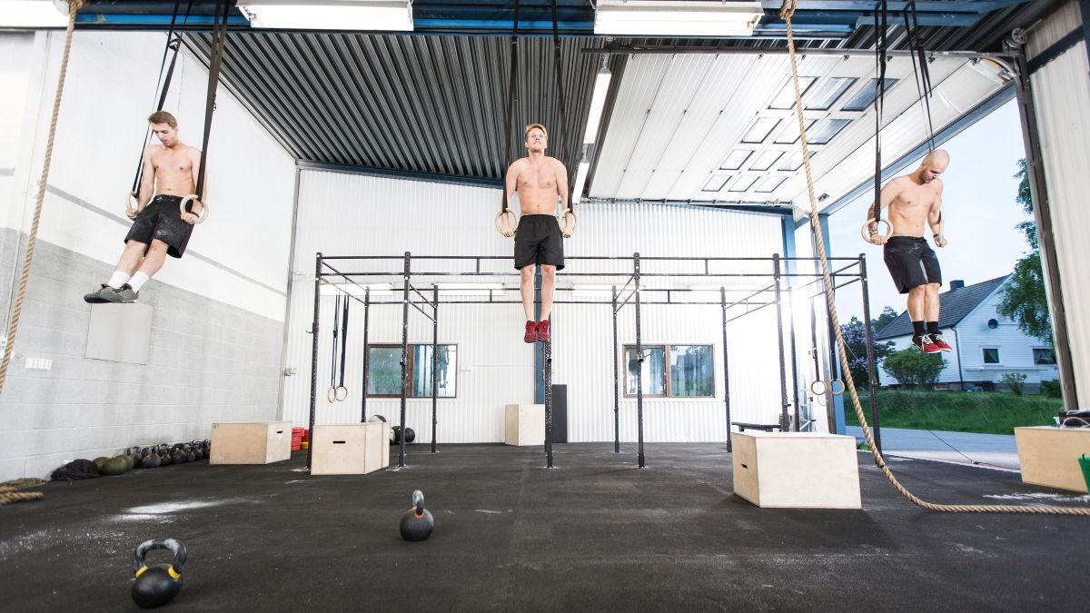 Garage gym clothes gear up for the crossfit open