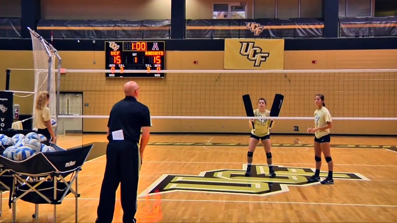 Setting Reading The Middle Blocker Drill Todd Dagenais Ucf Coaching Volleyball Volleyball Drills Volleyball Practice