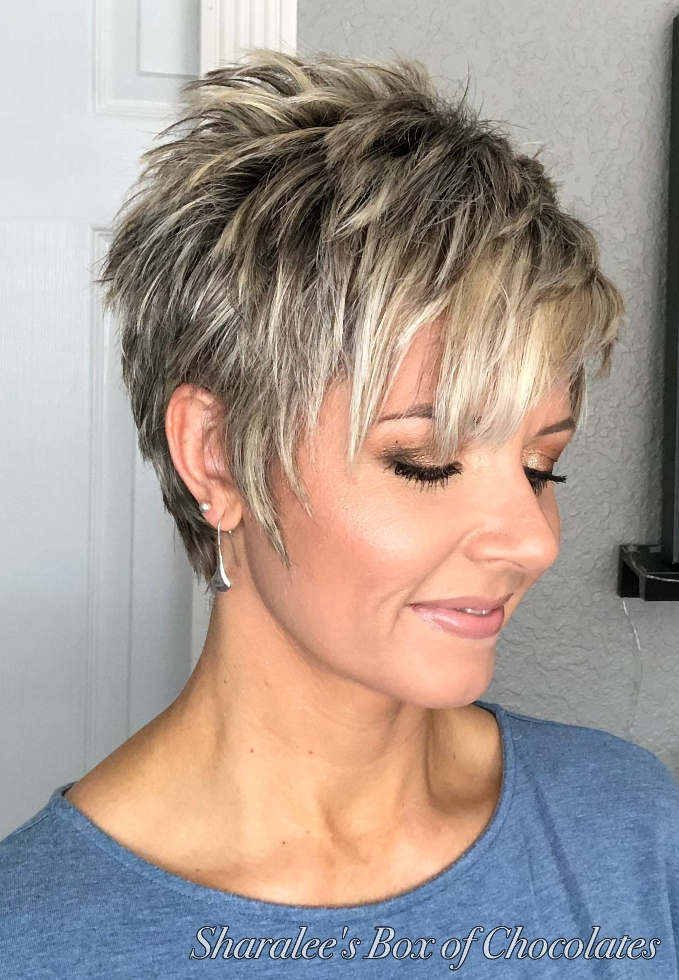 how to style a longer pixie cut - great style for mature