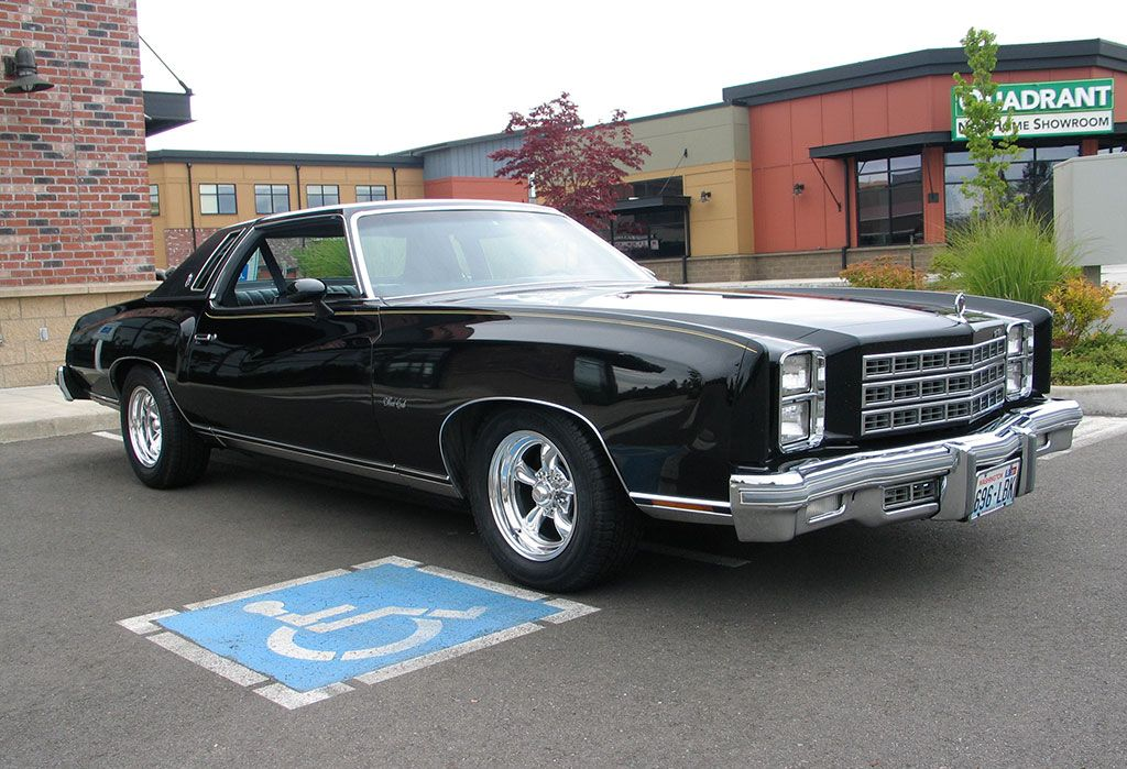 1977 Chevy Monte Carlo Also Had One Of These Sweet Chevrolet Monte Carlo Chevy Monte Carlo Old Sports Cars
