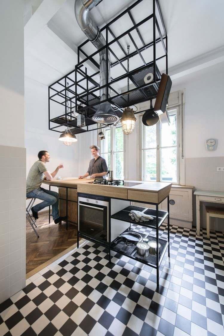 Parquet Chevron Et Cuisine Bois Et Blanc Dans Un Appartement Cuisine Bois Cuisine Appartement Cuisines Design