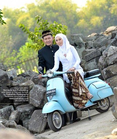 Foto Pre Wedding Outdoor Sederhana Dengan Vespa Di Jogja Pre Wedding Outdoor Wedding Prewedding Photography