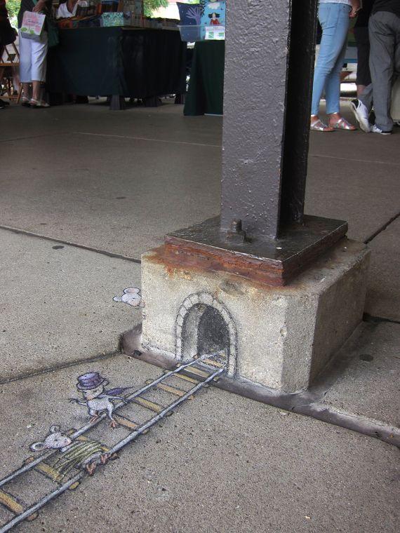 David Zinn Artists Adorable D Chalk Art Creatively Interacts - David zinns 3d chalk art adorably creative
