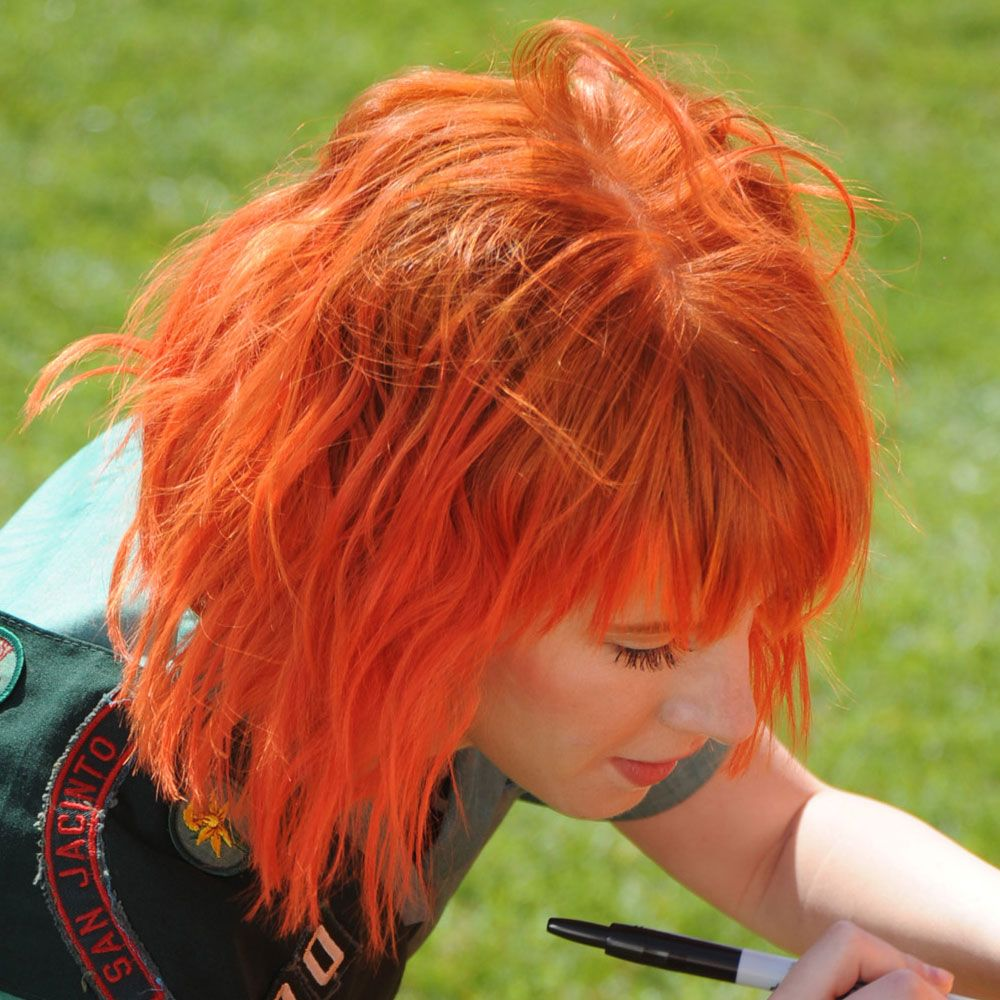 Hayley Williams Short Bright Orange Hair