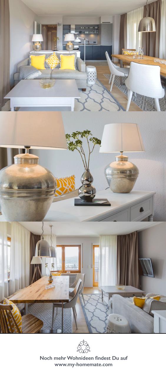 Modernes elegantes Landhaus Wohnzimmer in taupe, weiss und gelb ...