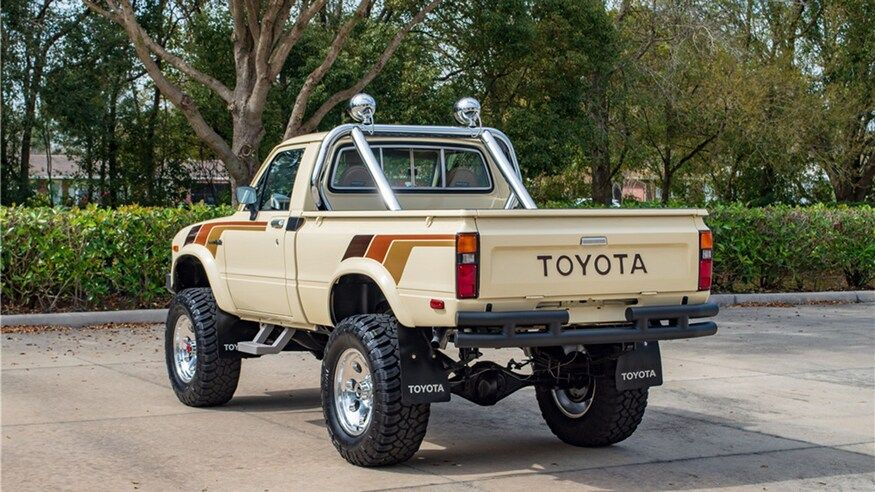 This 1983 Toyota SR5 Is the Antidote for Modern Pickup Truck Bloat