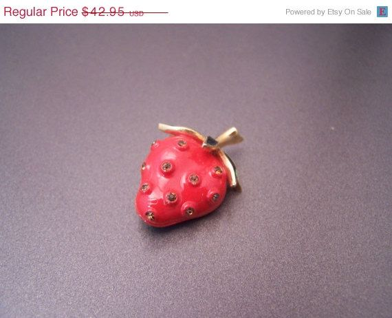Giving Thanks Signed Trifari Book Piece Ripe Red Strawberry Brooch #designersigned #buy100get25